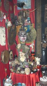 9 Lichnyy Altar Seleny Vamp 2000 god 163x300 - Тайны магии Вуду